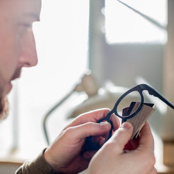 Herstellung Holzbrillen - Rolf Spectacles, Weißenbach am Lech